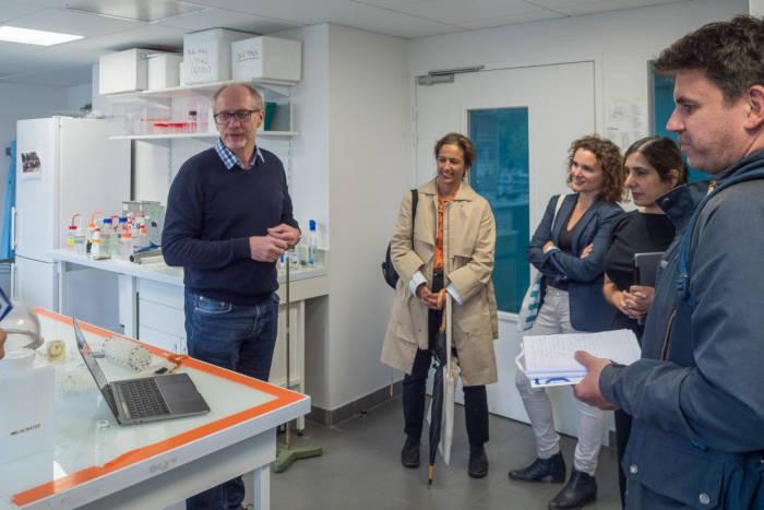 Visite Institut Pierre-Gilles de Gennes pour la microfluidique